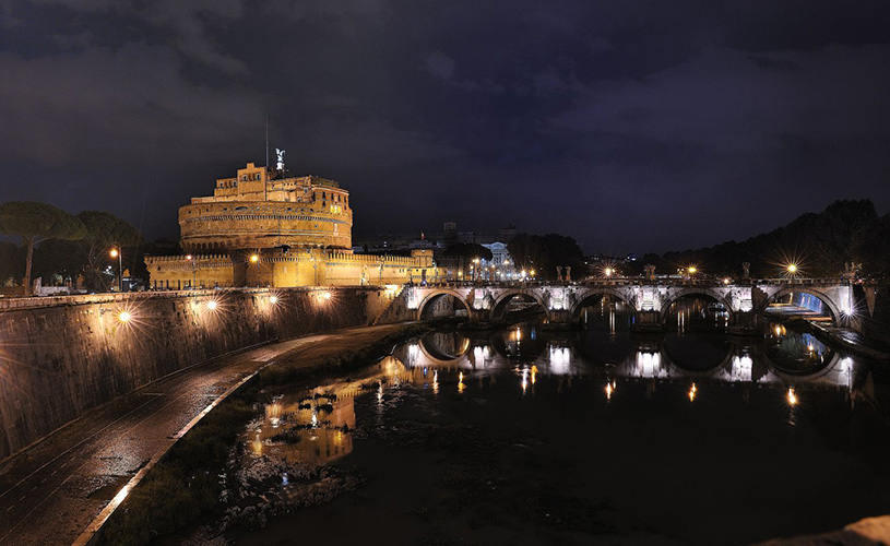 Castel Santangelo night view