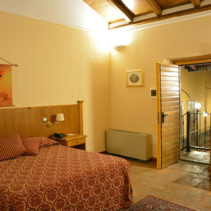 Available room in not ordinary hotel - Junior Suite Casale Certosa Hotel Rome