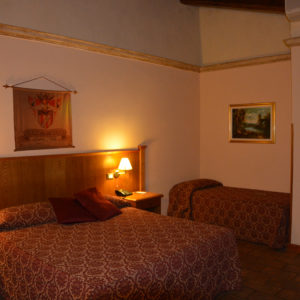 Available room in not ordinary hotel - Other triple room Hotel Rome