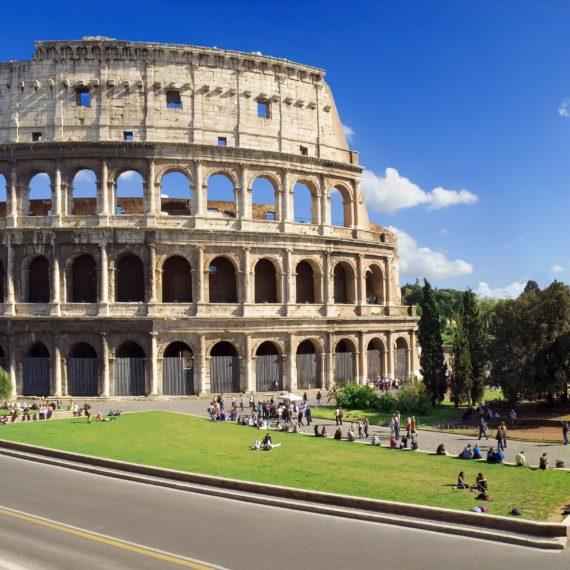 Tour di Roma e dei Castelli Romani non come turisti