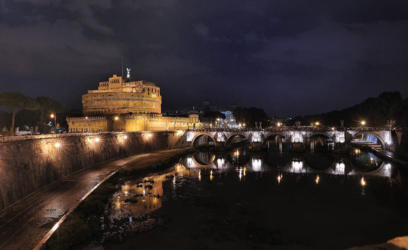 Castel Santangelo night view